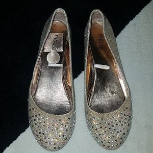Nicole: Blinged out flats